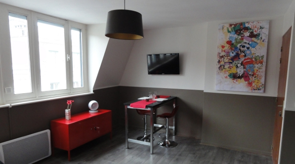 Appart hotel vieux lille red bowl for Studio meuble vieux lille